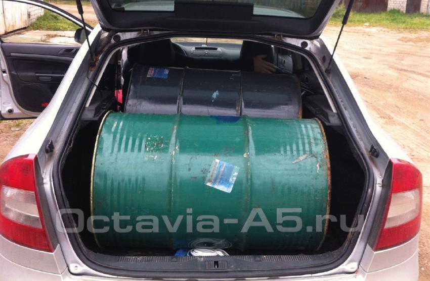 вместительный багажник шкода октавия а5